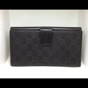 🌼NEW LISTING🌼 GUCCI Brown GG Link Bi-Fold Wallet